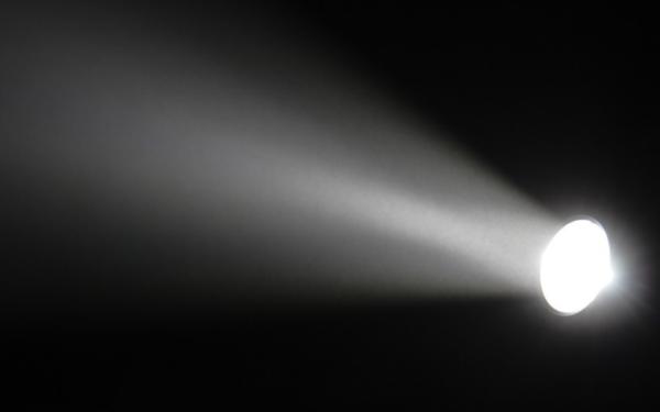 光线 (1)